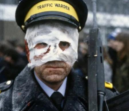 Traffic warden in Threads